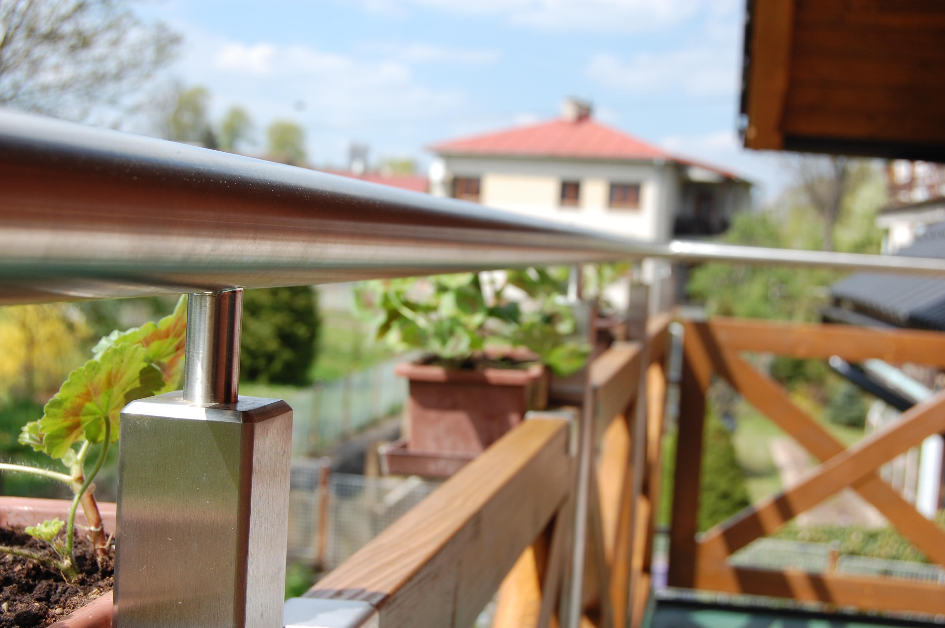 Balkónová a schodišťová zábradlí