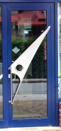Detail dveřní klika